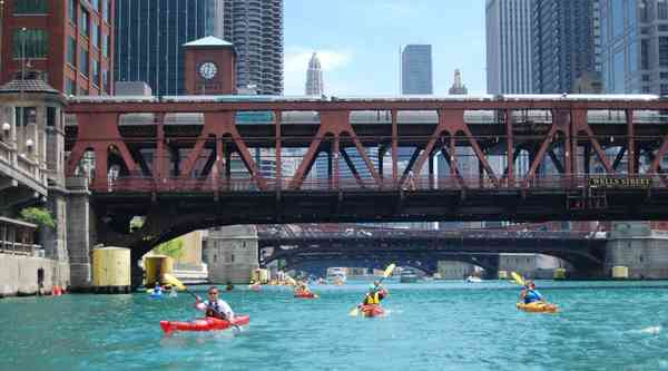 Chicago Fireworks Paddle from $45 - Peek